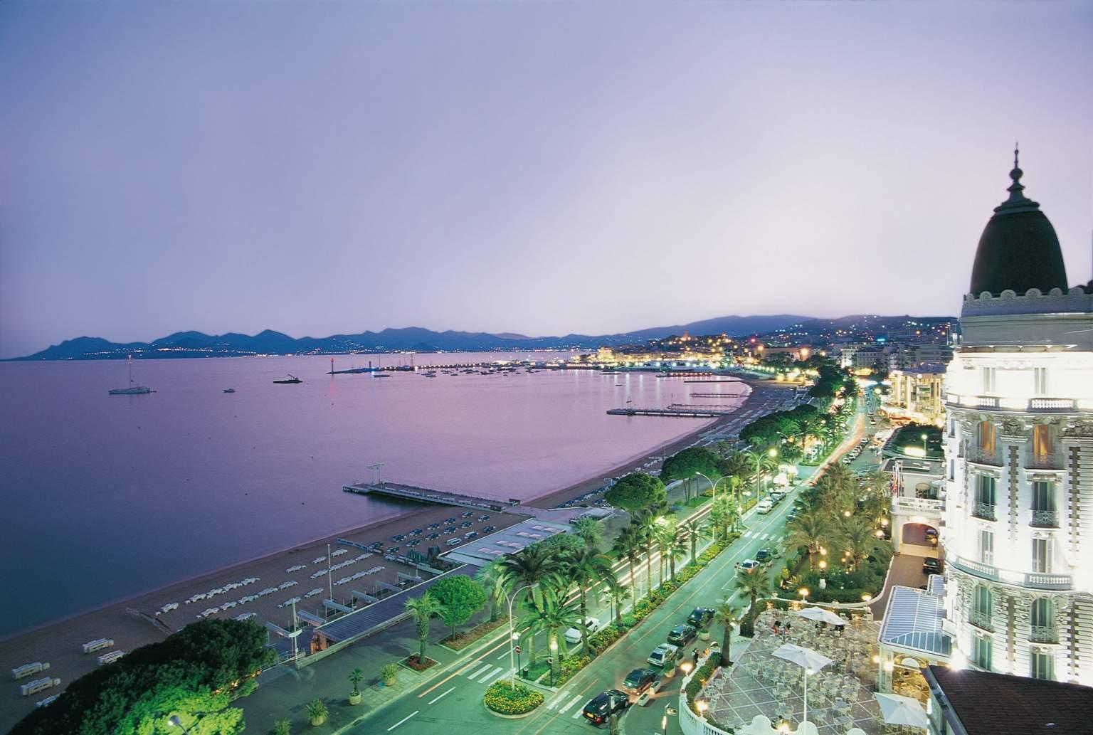 Hotel L'Estérel au Centre de Cannes· proche Gare Vue sur la Baie de Cannes